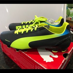 Men's puma soccer cleats brand new